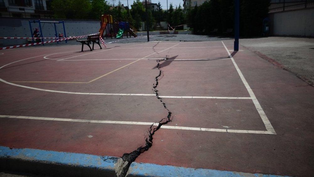 İlkokulun Yanındaki Parkta Korkutan Olay