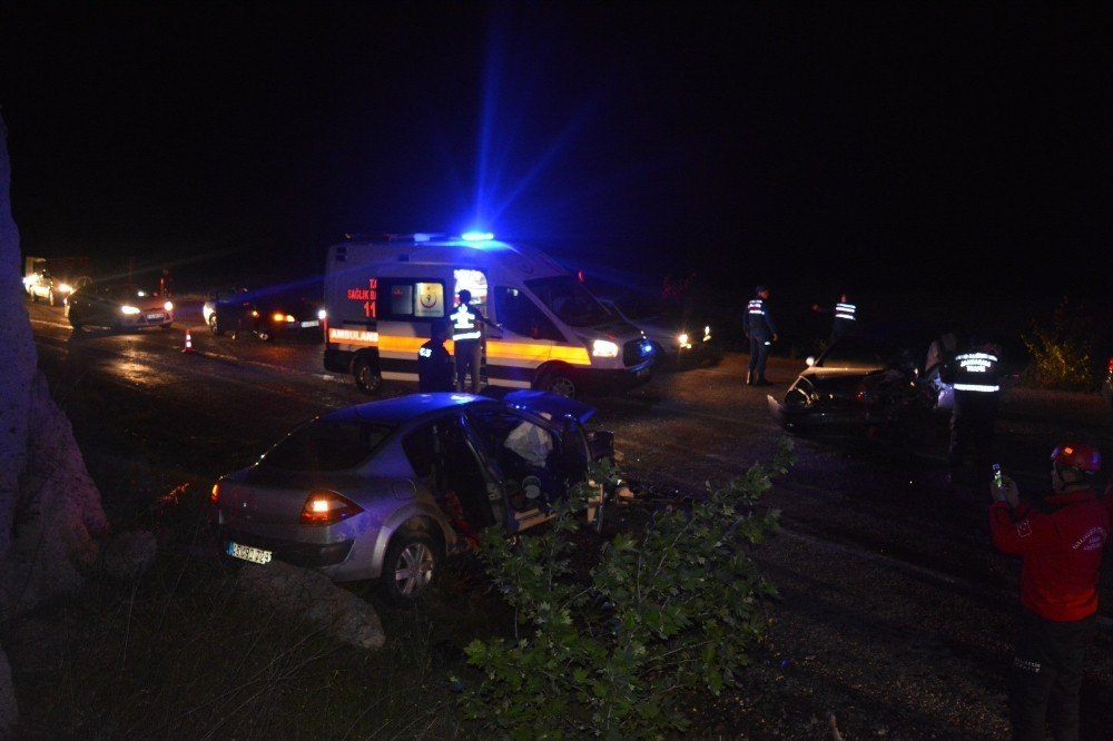 Balıkesir'de Trafik Kazası: 1 Ölü, 5 Yaralı