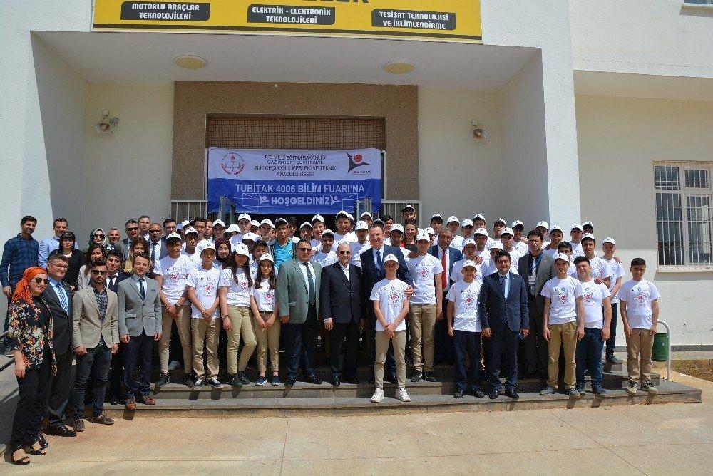 Genç Otomotivciler Projelerini Sergiledi
