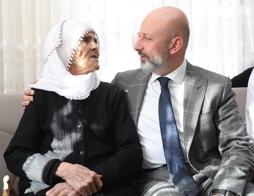 Başkan Çolakbayrakdar'dan 'Anneler Günü' Mesajı