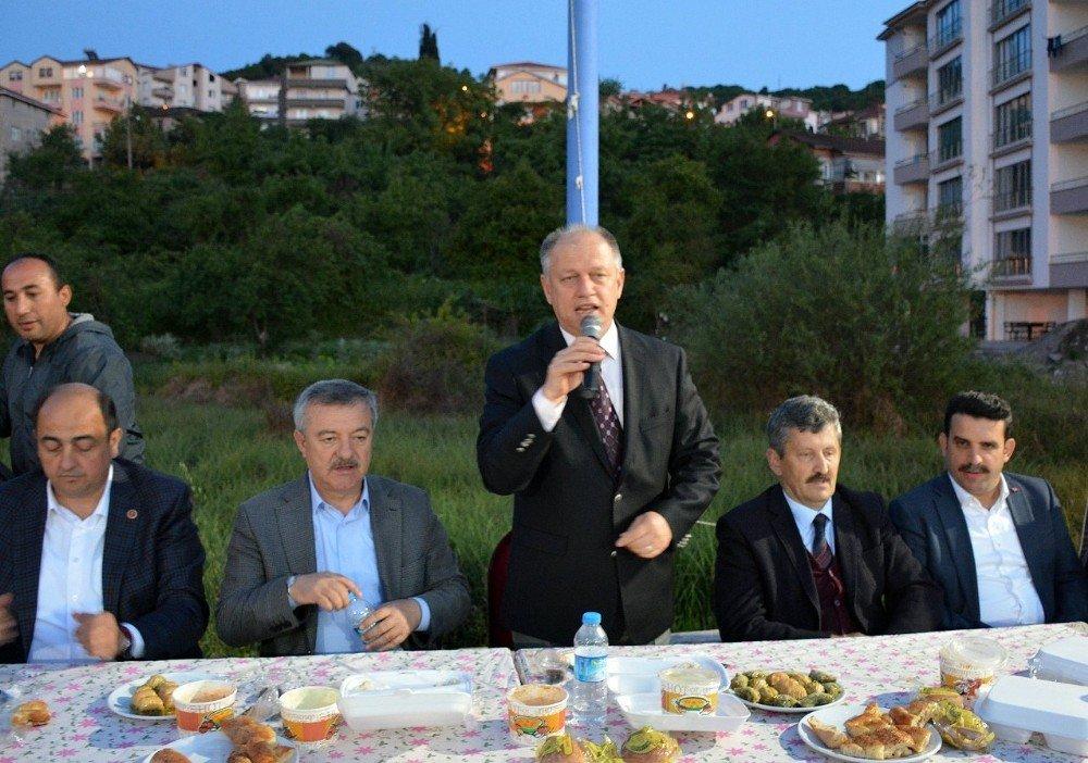 Gülüç'te 3 Bin Kişi Başkan Demirtaş'ın İftarında Buluştu