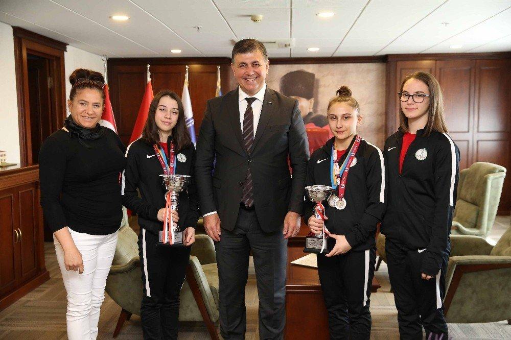 Başkan Tugay'dan Şampiyon Jimnastikçilere Teşekkür