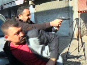 Diyarbakır'da basın açıklaması sırasında çatışma