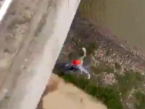 İp kopunca köprüden yere çakıldı