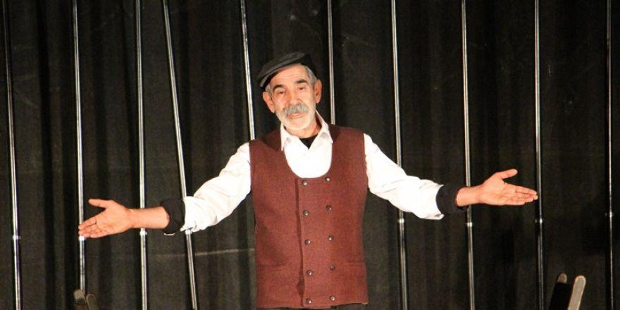 Mahkumlara tiyatro oyunu