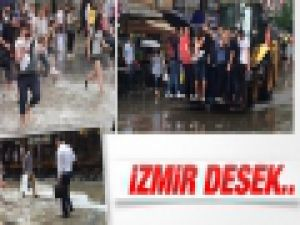 İzmir'i sel bastı