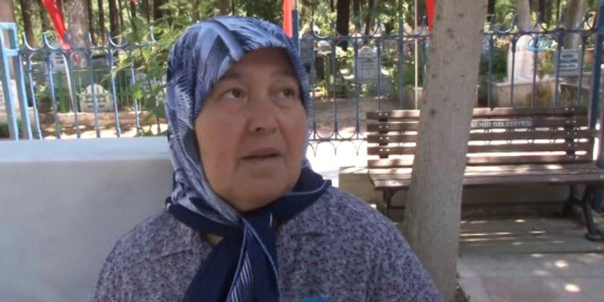 Şehit Anneleri Anneler Günü'nü Evlatlarının Mezarında Kutladı