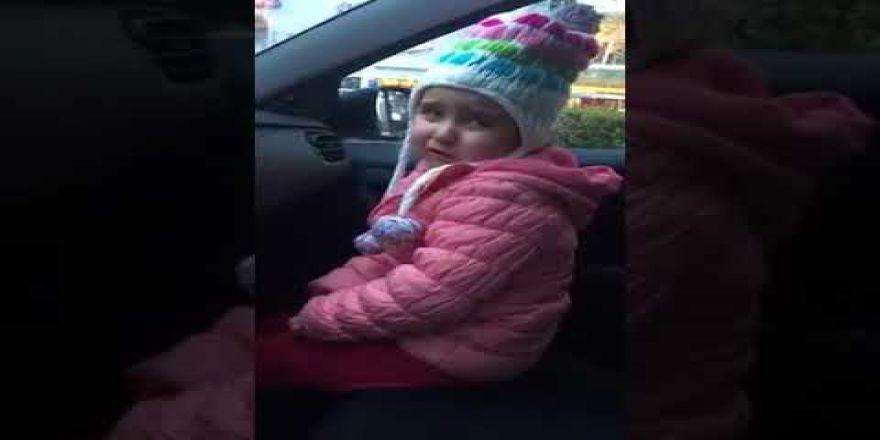 Küçük kızın Galatasaraylı babasını Fenerbahçeli yapma çabası...