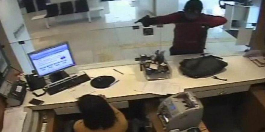 Silahlı banka soygunu kamerada