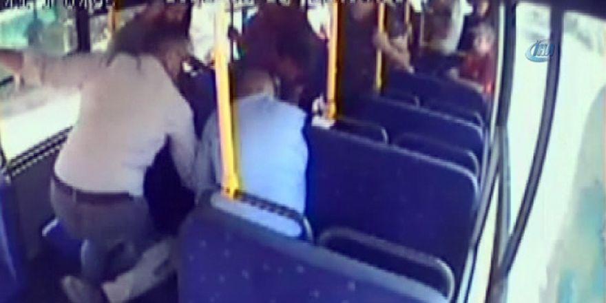 Yolcu midibüsündeki dehşet anlar kamerada! Midibüsün sürücüsünü öldürerek kaç