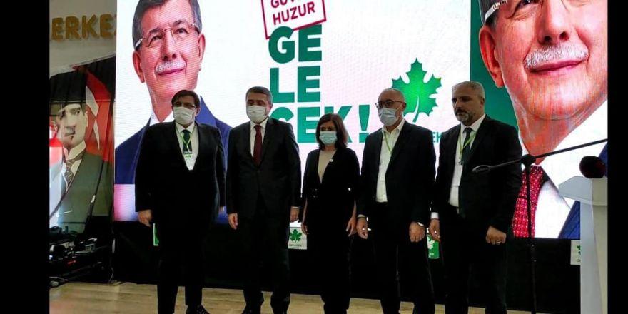 Ahmet Davutoğlu'dan Kocaeli teşkilatlarına övgü dolu sözler